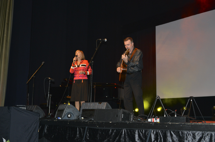 Titti och Ehrling som sjöng och spelade och bjöd på härlig underhållning!