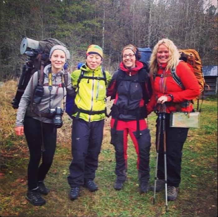 Nästa morgon, redo för att vandra igen! Här är vi tjejer samlade :) Foto: Traneving Outdoor