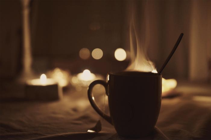 Natt-te i mörkret.