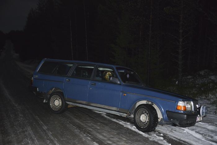 Så här kan det gå. Fy vad läskigt det var när bilen gled ner både bakåt och sidled. Man kände sig så hjälplös. Ju mer jag försökte rädda situationen ju värre blev det.