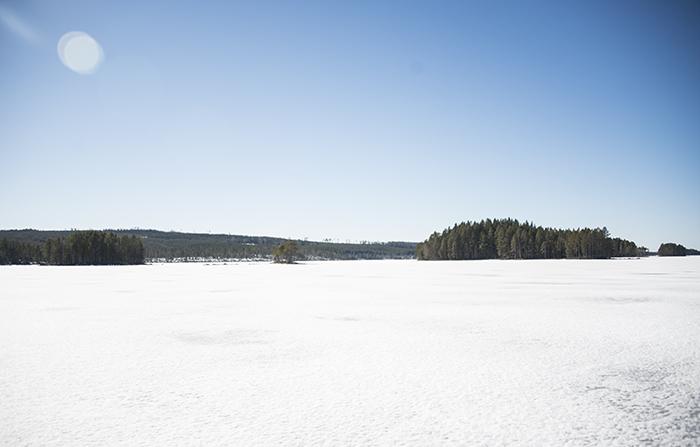 Storsjön, som är sjön som Grundtjärn ligger vid, är väldigt stor. Därav namnet. Och det finns massvis med öar! Jag har alltid tänk att jag vill ut med en båt och åka till de olika öarna, och kanske övernatta på något fint ställe.