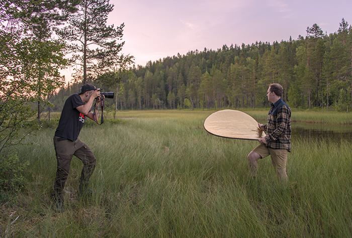 Vi ägnade oss en hel del till att fota och filma, även om det blev väldigt jobbigt med myggen. Men det var det värt. Tre fotografer låter sig inte stoppas i första taget ;)
