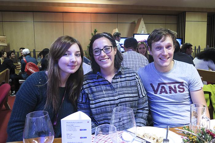 Och middag! Här är Leanne, Angeliqa och Shaun :)
