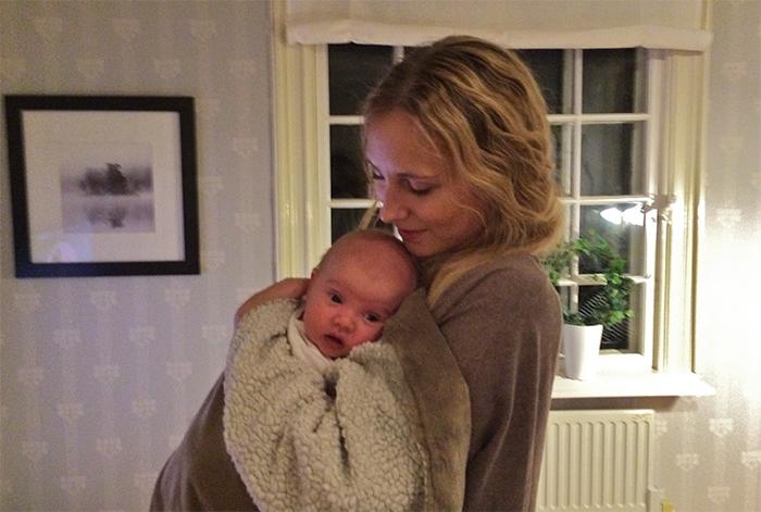 Här är min brorsdotter Klara. Knappt två månader gammal. Ännu ett litet mirakel <3