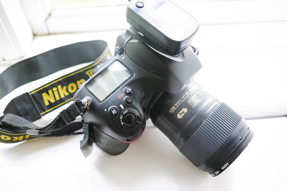 Min kamera, en Nikon D800 och mitt 60 mm´s objektiv.