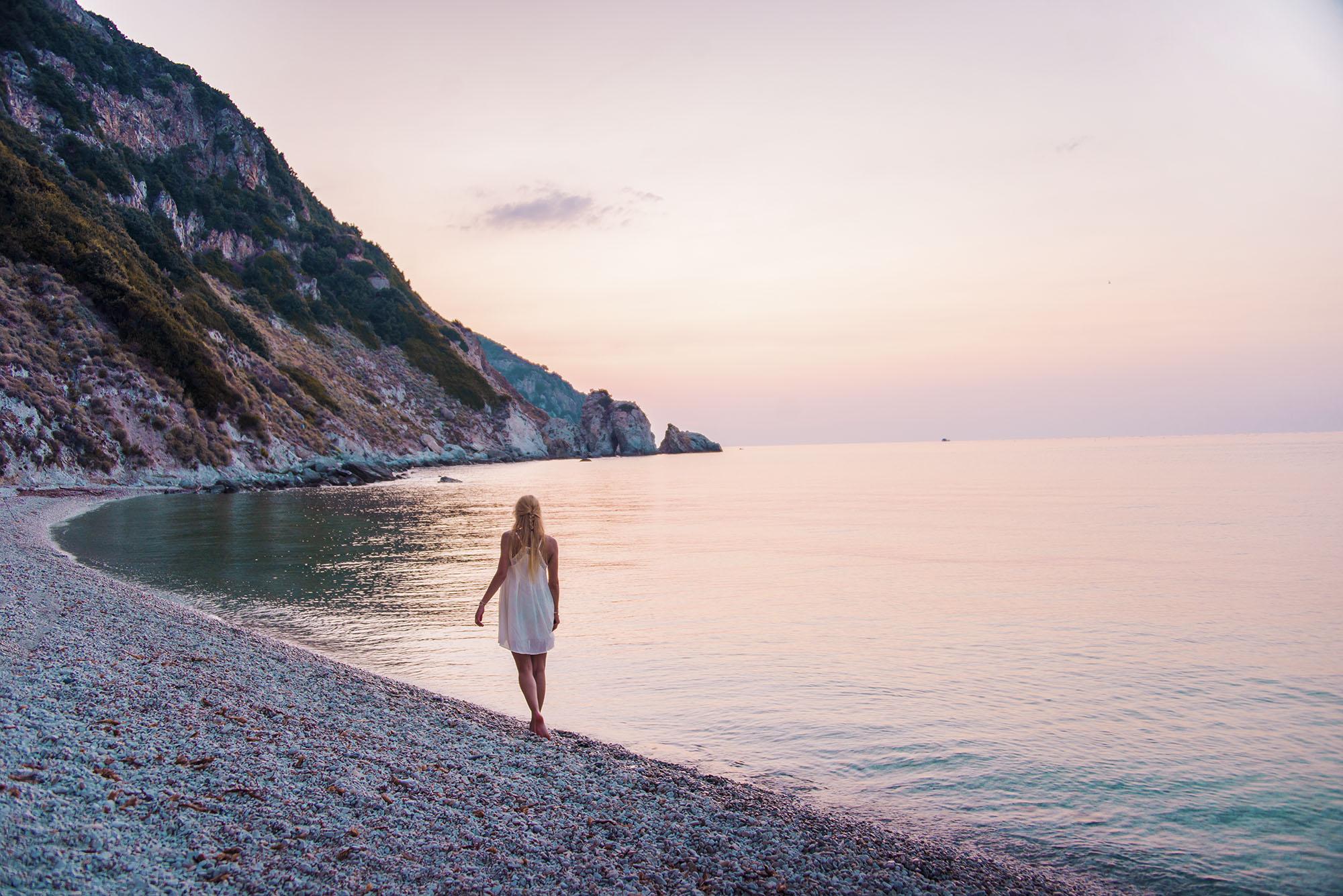 Kvällspromenad på Sansone beach.
