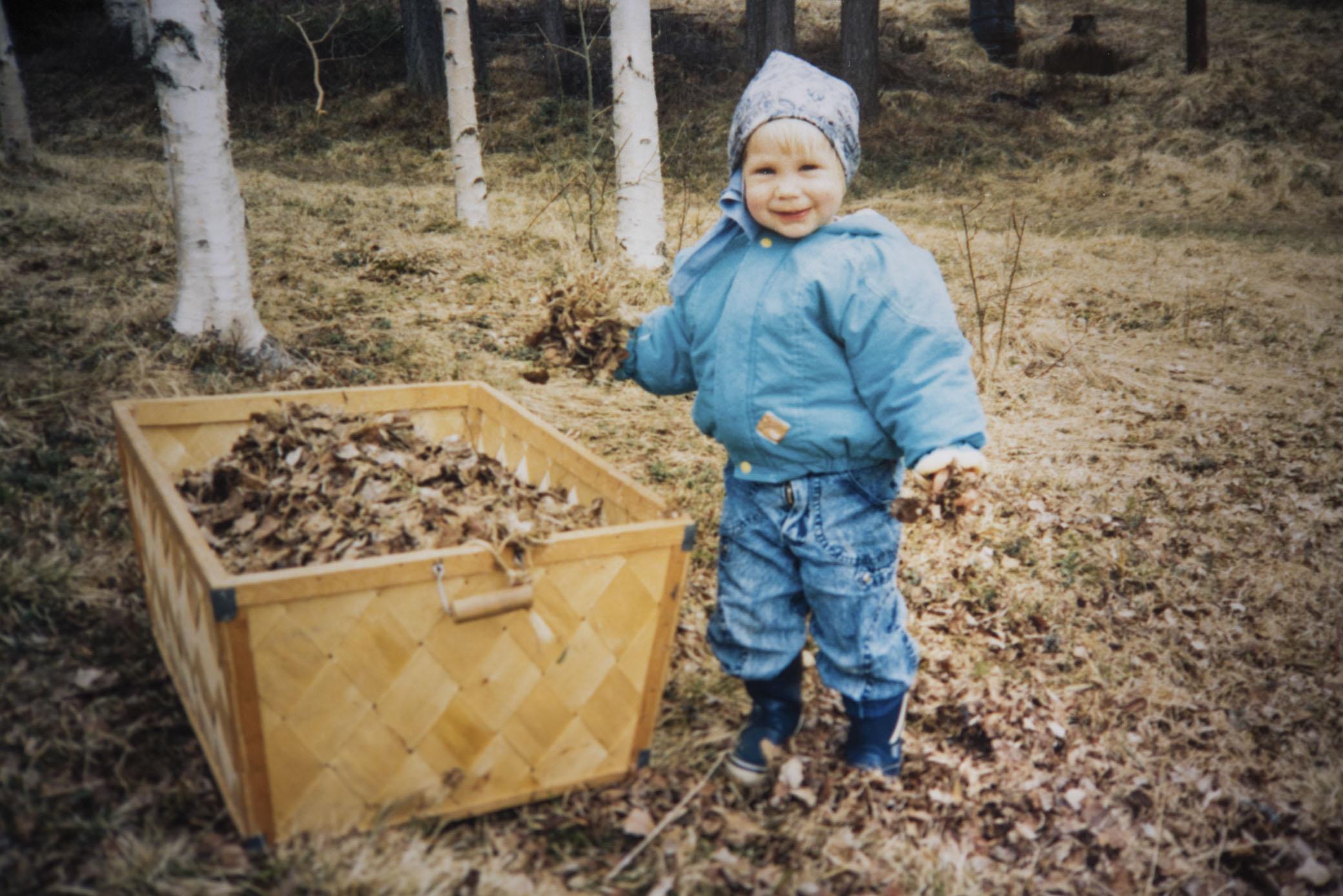 Jag räfsar löv i Grundtjärn för många herrans år sedan :)