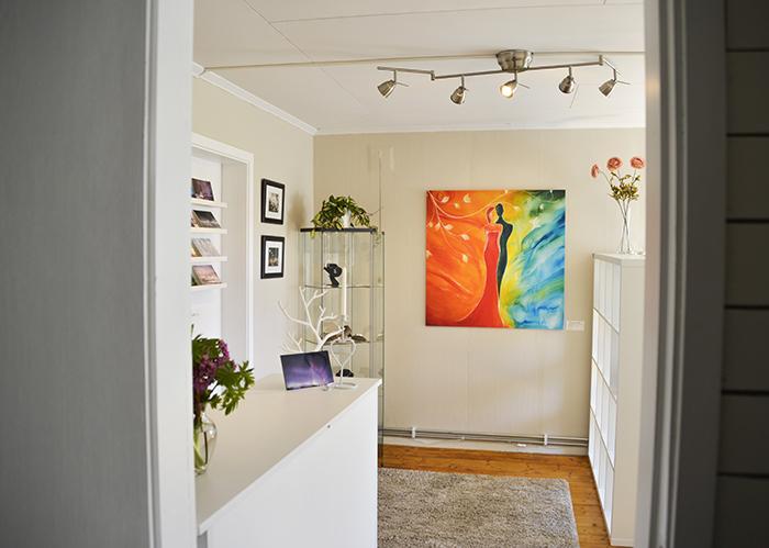 Välkommen in! :) Dörröppning in till galleriet.