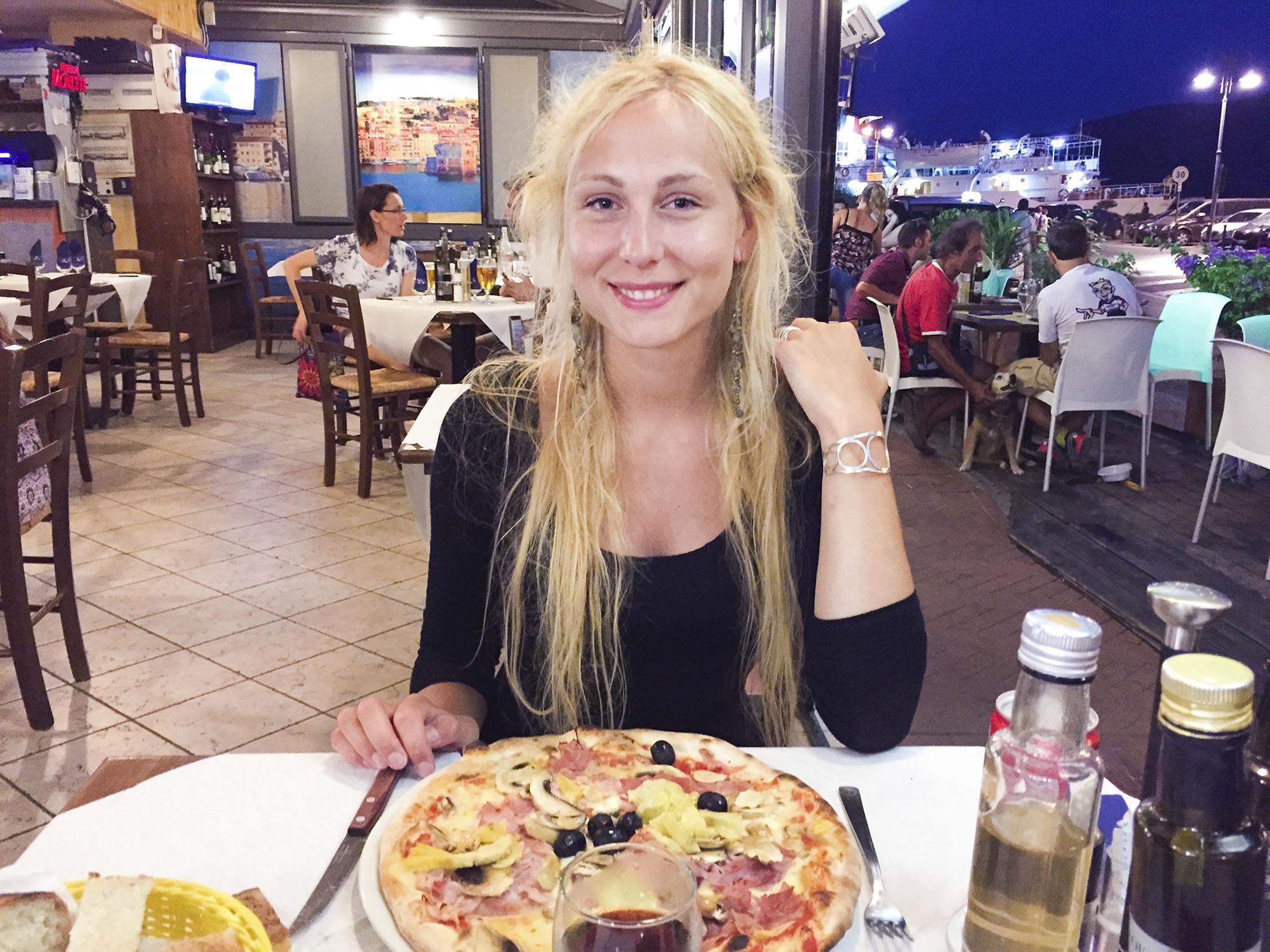 Här var vi i Porteferraio en kväll och åt på en restaurang med många typiskt Italienska rätter. Jag åt pizza som nog var den godaste jag någonsin ätit.